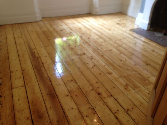Restored Pine Floorboards by Woodfloor-Renovations